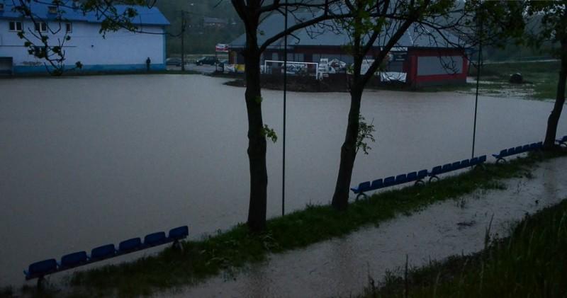 Stadion Ciężkowianka powódź