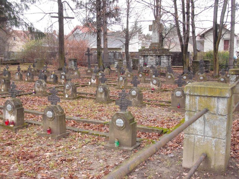 stary-cmentarz-tuchow2